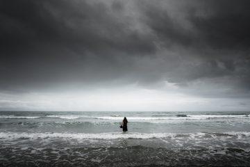Femme dans la mer